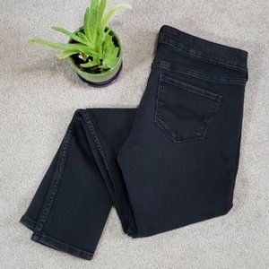 Abercrombie & Fitch Black highwaisted skinny jean